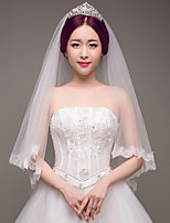cheap -Two-tier Lace Applique Edge Bridal Wedding Wedding Veil Fingertip Veils 53 Laces Embroidery Lace Tulle