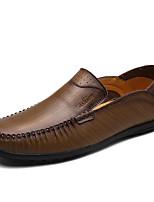 Недорогие -Для мужчин обувь Кожа Зима Осень Удобная обувь Мокасины и Свитер для Повседневные Кофейный Темно-коричневый Хаки