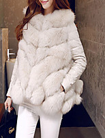 Women's Going out Casual/Daily Simple Winter Fall Fur Coat,Solid V Neck Long Sleeve Short Faux Fur Fur Trim
