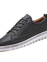 preiswerte -Herren Schuhe Künstliche Mikrofaser Polyurethan Frühling Herbst Komfort Sneakers für Normal Schwarz Grau Braun