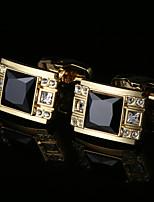 preiswerte -Geometrische Form Golden Manschettenknöpfe Zirkon Kupfer Aleación Geschenk Modisch Hochzeit Herrn Modeschmuck