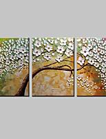 Недорогие -Ручная роспись Цветочные мотивы/ботанический Горизонтальная,Modern Холст Hang-роспись маслом For Украшение дома 3 панели