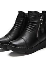 Недорогие -Для женщин Обувь Полиуретан Зима Удобная обувь Ботинки Плоские Круглый носок Закрытый мыс Ботинки для Повседневные Черный Красный