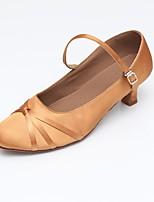 """billige -Damer Moderne Syntetisk Satin Sandaler Hæle Sneaker Indendørs Slidse Cubanske hæle Sort Mandel 2 """"- 2 3/4"""" Kan tilpasses"""