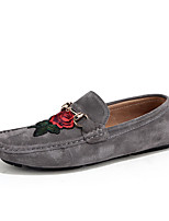 Недорогие -Муж. обувь Кожа Свиная кожа Весна Осень Удобная обувь Мокасины и Свитер Цветы из сатина для Повседневные Черный Серый Хаки