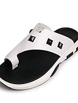Недорогие -Муж. обувь Кожа Весна Лето Удобная обувь Тапочки и Шлепанцы для Повседневные Белый Черный