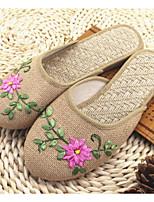 Недорогие -Жен. Обувь Лён Весна Осень Удобная обувь Тапочки и Шлепанцы На низком каблуке для Повседневные Белый Бежевый Темно-красный