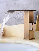Недорогие -Античный По центру Водопад Керамический клапан Одной ручкой одно отверстие Античная медь , Ванная раковина кран