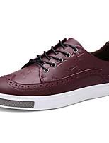 Недорогие -Для мужчин обувь Кожа Весна Осень Удобная обувь Кеды для Повседневные Черный Красный Синий