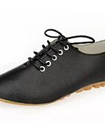 preiswerte -Damen Schuhe PU Frühling Herbst Komfort Outdoor Niedriger Heel für Normal Weiß Schwarz