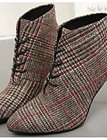 Недорогие -Для женщин Обувь Ткань Весна Осень Удобная обувь Ботильоны Ботинки На шпильке для Повседневные Серый Кофейный