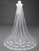 Недорогие -Один слой В горошек Свадебные вуали Фата для венчания С Аппликации Хрусталь Кружева Кружева Тюль