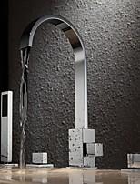 Недорогие -Современный Ванна и душ Водопад Медный клапан Две ручки Четыре отверстия Хром , Смеситель для ванны