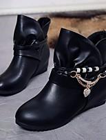 Недорогие -Жен. Обувь Полиуретан Зима Осень Модная обувь Удобная обувь Ботинки Туфли на танкетке Ботинки для Повседневные Белый Черный Красный
