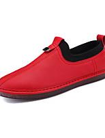 Недорогие -Муж. обувь Искусственное волокно Весна Осень Мокасины Мокасины и Свитер для Повседневные Белый Черный Красный