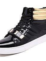 preiswerte -Herren Schuhe PU Frühling Herbst Komfort Sneakers für Normal Weiß Schwarz