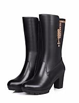 Недорогие -Жен. Обувь Кожа Зима Осень Удобная обувь Модная обувь Ботинки На толстом каблуке Сапоги до середины икры для Повседневные Черный