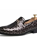 Недорогие -Муж. обувь Полиуретан Весна Осень Удобная обувь Мокасины и Свитер для Повседневные Черный Серебряный Красный