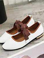 baratos -Mulheres Sapatos Couro Ecológico Outono Conforto Rasos Salto Baixo Dedo Fechado para Casual Ao ar livre Branco Preto Rosa claro