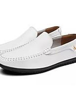 Недорогие -Муж. обувь Искусственное волокно Весна Осень Мокасины Мокасины и Свитер для Повседневные Белый Черный Темно-коричневый