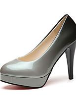 preiswerte -Damen Schuhe Lackleder Frühling Komfort High Heels Stöckelabsatz Runde Zehe für Normal Schwarz Grau Rot Schwarz/Rot