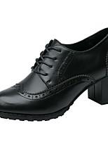 preiswerte -Damen Schuhe Leder Frühling Sommer Komfort Outdoor Blockabsatz Runde Zehe Geschlossene Spitze für Party & Festivität Büro & Karriere