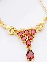 abordables -Mujer Triángulo Gota Asiático Moda Elegant Collares con colgantes Collares de cadena Zirconia Cúbica Zirconio Chapado en Oro Collares con