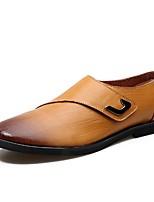 Недорогие -Для мужчин обувь Кожа Весна Осень Удобная обувь Кеды для Повседневные Черный Кофейный Темно-русый