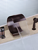 Недорогие -Античный Разбросанная Водопад Ручная лейка входит в комплект Одной ручкой три отверстия Начищенная бронза , Смеситель для ванны