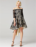 preiswerte -Ballkleid Bateau Asymmetrisch Spitze Cocktailparty Abiball Kleid mit Applikationen Blume(n) durch TS Couture®