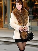 Недорогие -Жен. Повседневные Зима Осень Длинная Пальто с мехом V-образный вырез, Простой Однотонный Мех енота