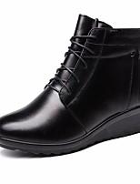 Недорогие -Жен. Обувь Кожа Зима Осень Удобная обувь Ботильоны Ботинки Туфли на танкетке Ботинки для Повседневные Черный