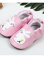 Недорогие -Дети обувь Дерматин Весна Осень Удобная обувь Обувь для малышей На плокой подошве для Повседневные Красный Синий Розовый Миндальный