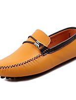 Недорогие -Муж. обувь Кожа Весна Осень Светодиодные подошвы Мокасины и Свитер для Повседневные Белый Черный Желтый Коричневый