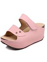 Недорогие -Жен. Обувь Микроволокно Лето Босоножки Тапочки и Шлепанцы Микропоры Открытый мыс Пряжки для Повседневные Бежевый Розовый