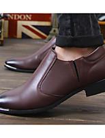 Недорогие -Муж. обувь Искусственное волокно Весна Осень Удобная обувь Мокасины и Свитер для Повседневные Черный Темно-русый Вино