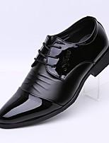 Недорогие -Муж. обувь Лакированная кожа Весна Осень Удобная обувь Туфли на шнуровке для Повседневные Офис и карьера Черный