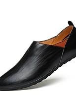 Недорогие -Муж. обувь Кожа Весна Лето Формальная обувь Удобная обувь Мокасины и Свитер для Повседневные Офис и карьера Белый Черный Темно-русый