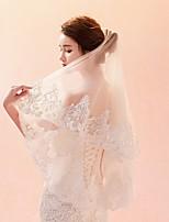 cheap -One-tier Lace Applique Edge Veil Wedding Veil Elbow Veils Fingertip Veils 53 Pattern Lace Tulle