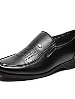 Недорогие -Муж. обувь Полиуретан Весна Осень Удобная обувь Мокасины и Свитер для Повседневные Черный