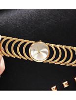 abordables -Mujer Reloj creativo único Reloj de Moda Reloj Casual Chino Cuarzo Reloj Casual Aleación Banda Lujo Moda Dorado