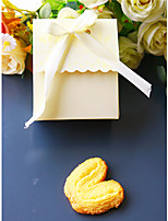 cheap -Dessert Pillow Card Paper Cotton Favor Holder with Ribbons Favor Boxes Favor Bags Favor Tins and Pails Seatpost Gift Boxes Cupcake
