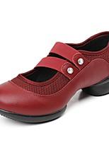Недорогие -Жен. Танцевальные кроссовки Тюль Телячья шерсть Кроссовки Выступление на открытом воздухе Планка На плоской подошве Черный Темно-красный