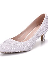 cheap -Women's Shoes PU Spring Fall Novelty Comfort Wedding Shoes Low Heel Pointed Toe Pearl for Wedding Party & Evening White