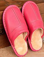 preiswerte -Damen Schuhe Leder Herbst Winter Komfort Slippers & Flip-Flops Flacher Absatz für Schwarz Purpur Fuchsia