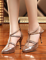 abordables -Femme Chaussures Polyuréthane Printemps / Automne Confort / Escarpin Basique Chaussures à Talons Talon Aiguille Brun claire