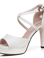 abordables -Mujer Zapatos PU microfibra sintético Verano / Otoño Gladiador / Pump Básico Tacones Tacón Cuadrado Blanco / Negro / Fiesta y Noche