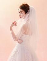 preiswerte -Zweischichtig Schnittkante Schleier Hochzeitsschleier Ellbogenlange Schleier Mit Muster Tüll
