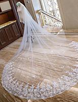abordables -Deux couches Bord en dentelle Mariée Voiles de Mariée Voiles chepelle Voiles cathédrale Avec Motif floral perlé & dispersé Fantaisie