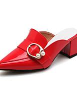 baratos -Mulheres Sapatos Couro Ecológico Primavera / Outono Conforto / Chanel Saltos Salto Robusto Dedo Apontado Presilha Preto / Vermelho /